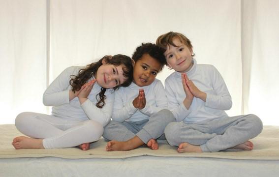 formacion-yoga-niños-aquarian